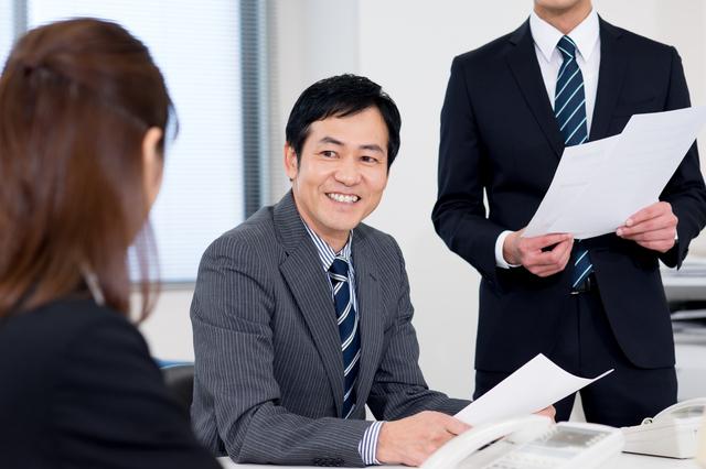 会社の役員は副業できる?サラリーマンが兼業で取締役になるについて